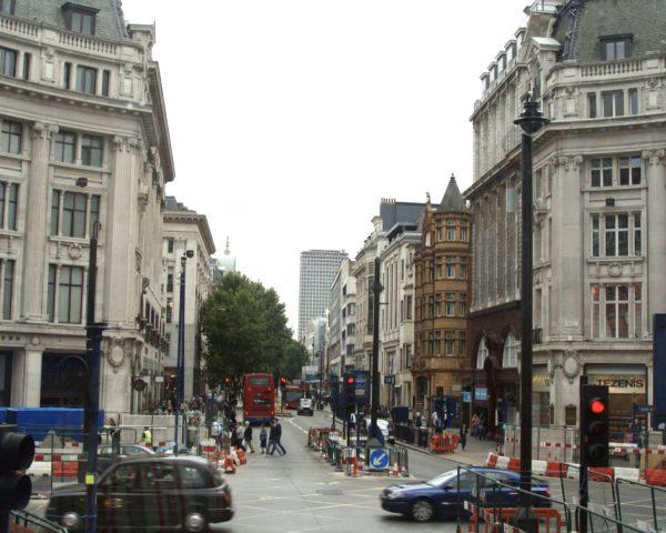 Economic Update: High Street Gloom – Online Boom